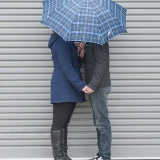 rainy_day_romance_by_raduban_photography_wedding_photographer_auckland_new_zealand