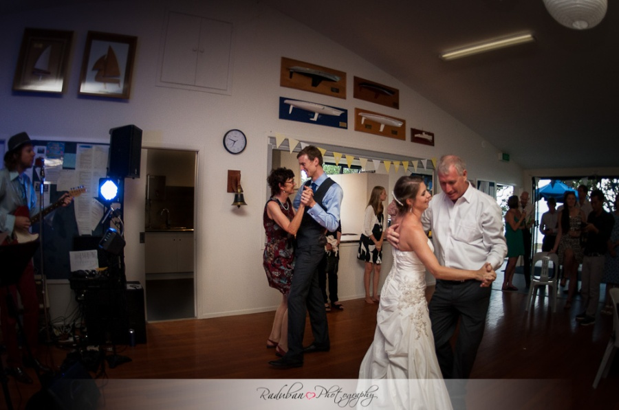 cheap-candid-auckland-wedding-photographer-devonport-beach-raduban-photography