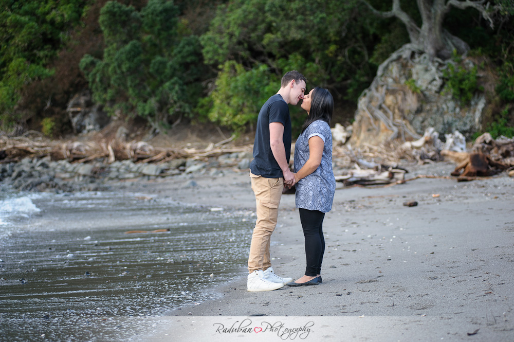 sherrane-kevin-whakatane-engagement-raduban-photography-auckland-cheap-candid-wedding-photographer