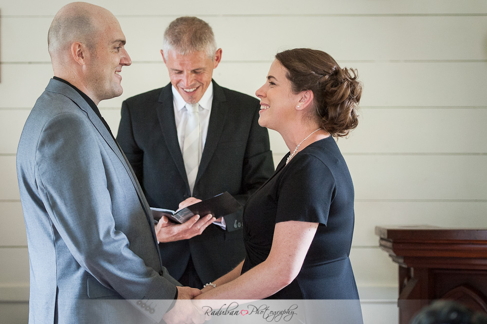 Mhairi-Andrew-Howick-historical-village-wedding-raduban-photography-candid-wedding-photographer-auckland